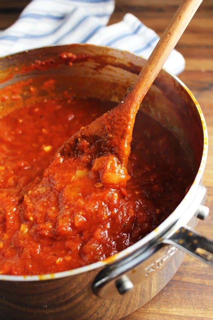 Cooked marinara sauce in a saucepan