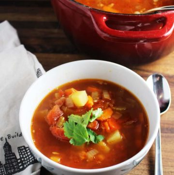 Minestrone soup in a bowl
